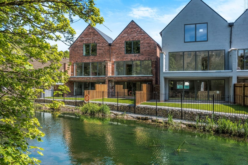 Lewiston Mill - six luxury houses and eight two bedroom apartments with VELFAC windows and doors