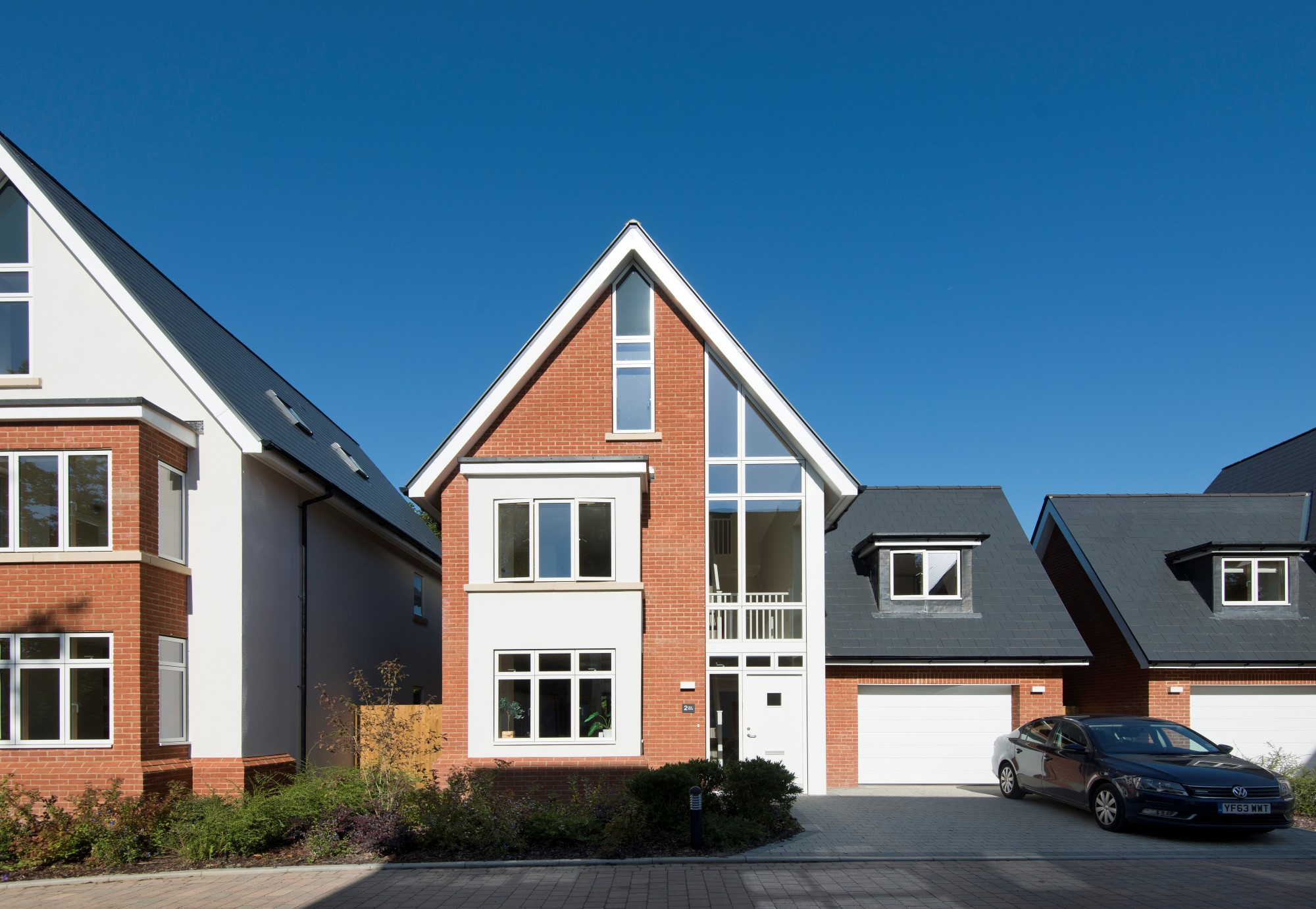 Award winning development of nine detached houses in six house designs
